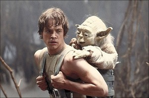 Mark-Hamill-Luke-Skywalker-Yoda.jpg